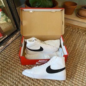 Nike Mid Blazers